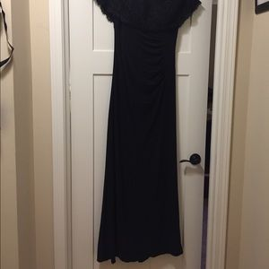 Lace Off-The-Shoulder Jersey Sheath Gown